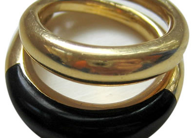 Gemelli Ring in 18k gold and onyx