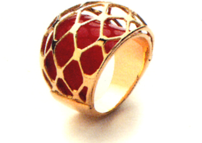 Net Ring in 18k gold with red enamel